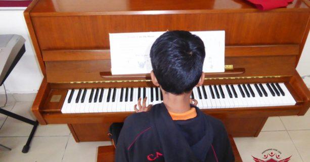 Grade 8 Music Class!!